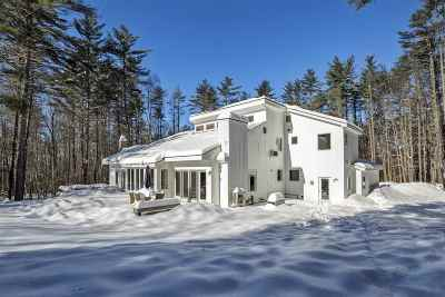 Hanover NH Single Family Home Active Under Contract: $879,000