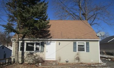 Manchester Single Family Home For Auction: 135 Allen Street
