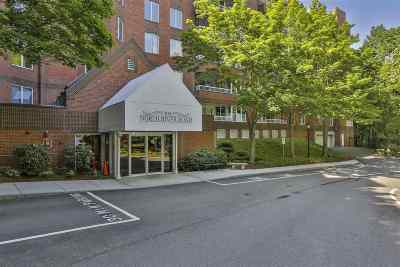 Manchester Condo/Townhouse Active Under Contract: 300 North River Road #108