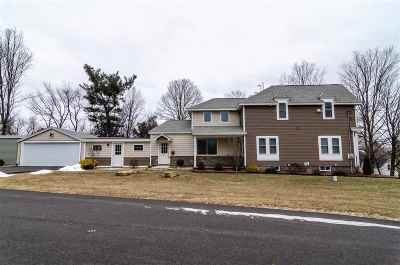 Belknap County, Carroll County, Cheshire County, Coos County, Grafton County, Hillsborough County, Merrimack County, Rockingham County, Strafford County, Sullivan County Condo/Townhouse For Sale: 22 Lenox Road