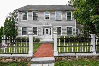 Single Family Home For Sale: 65 Portsmouth Avenue