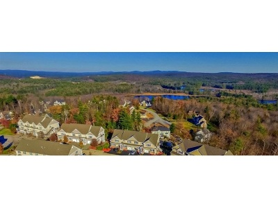 Hooksett Condo/Townhouse For Sale: 6 Manor Drive #D