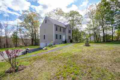 Derry Single Family Home For Sale: 17 Stark Road