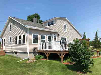Single Family Home For Sale: 423 East Alburgh Road