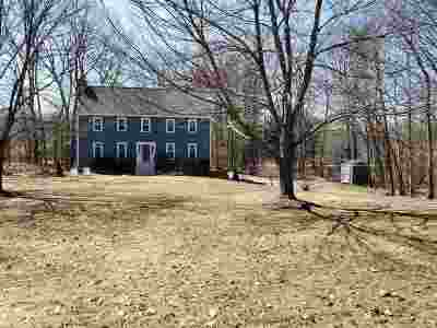 Derry Single Family Home For Sale: 24 Village Brook Lane