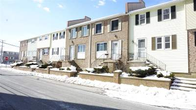 Hampton Condo/Townhouse For Sale: 2 Kings Highway #9