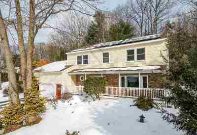 Chittenden County Single Family Home For Sale: 4 Acorn Circle