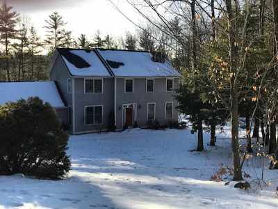 Chittenden County Single Family Home For Sale: 28 White Oak Drive