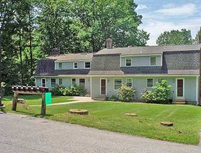 Pittsford Condo/Townhouse For Sale: 73 Old Colony Way #A5