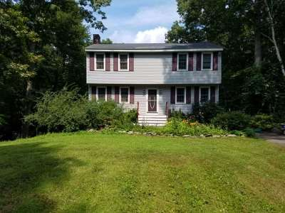 Derry Single Family Home For Sale: 14 Gaita Drive