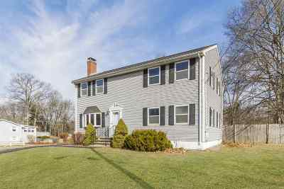 Salem Single Family Home For Sale: 22 Colonial Drive