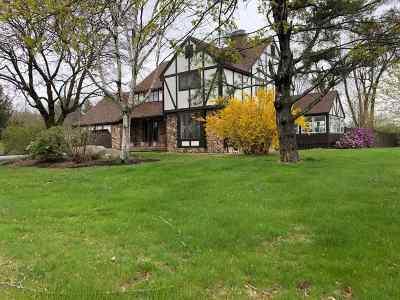 East Kingston Single Family Home For Sale: 14 Tilton Lane