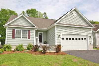 Jericho Single Family Home For Sale: 6 Maple Brook Lane