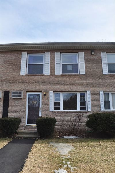 Hooksett Condo/Townhouse Active Under Contract: 2 Bayview Terrace #Q