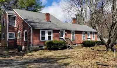 Candia Single Family Home For Sale: 160 Deerfield Road