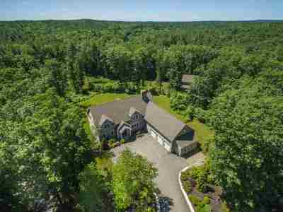 Newfields Single Family Home For Sale: 22 Overlook Drive