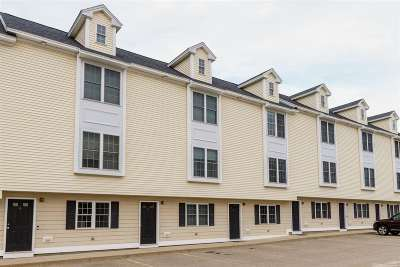 Portsmouth Condo/Townhouse For Sale: 1039 Islington Street #6