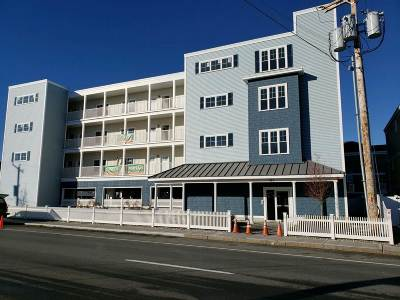 Hampton Condo/Townhouse For Sale: 180 Ashworth Avenue #203