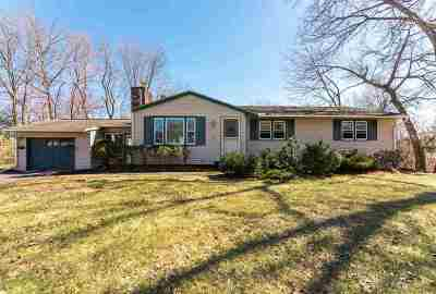 Milford Single Family Home For Sale: 12 Oakland Drive