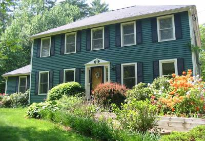 Derry Single Family Home For Sale: 7 Fox Hollow Road