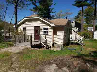 Salem Single Family Home For Sale: 1 London Road