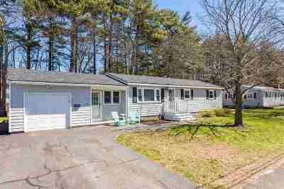 Single Family Home For Sale: 44 Suzanne Drive