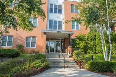 South Burlington Condo/Townhouse Active Under Contract: 370 Farrell Street #121