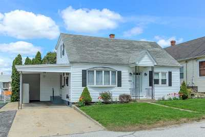 Manchester Single Family Home For Sale: 720 Dix Street