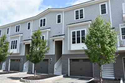 Concord Condo/Townhouse Active Under Contract: 35 Callaway Drive #8
