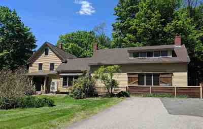 Newfields Single Family Home For Sale: 136 Piscassic Road