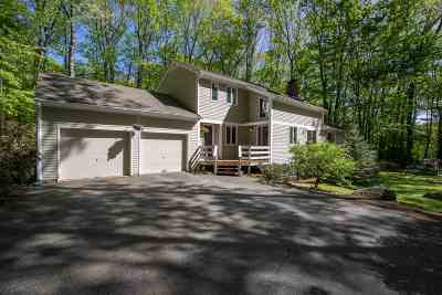 Concord Single Family Home For Sale: 8 Pond Place