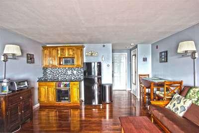 Hampton Condo/Townhouse For Sale: 415 Ocean Boulevard #2B