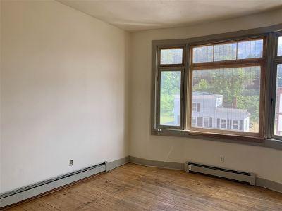 Franklin Rental For Rent: 406 Central Street #7