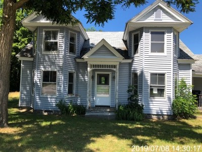 Tilton Single Family Home For Sale: 20 Church Street
