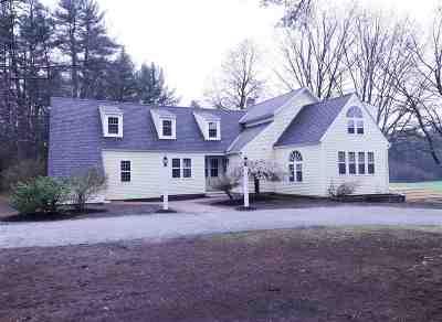 Hopkinton Single Family Home For Sale: 371 Burnham Intervale Road