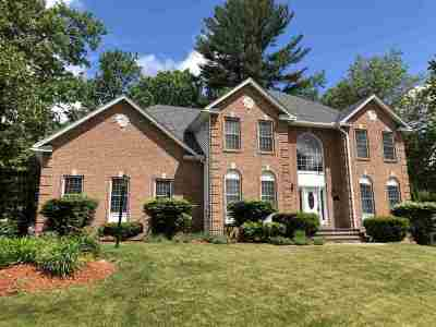 Nashua Single Family Home For Sale: 8 Rosecliff Drive