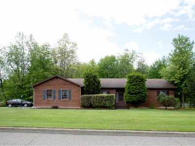 Colchester Single Family Home For Sale: 16 Parkwood Drive
