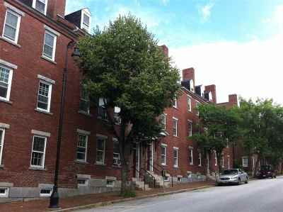 Manchester Condo/Townhouse For Sale: 137 West Merrimack Street #4