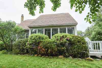 Pembroke Single Family Home Active Under Contract: 44 Donna Drive