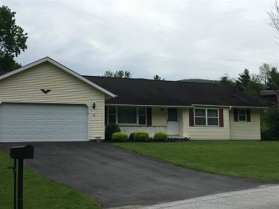 Rutland City VT Single Family Home Active Under Contract: $279,500