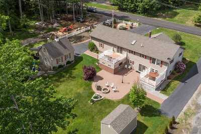 Wells Single Family Home For Sale: 322 Wells Highlands