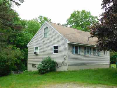 Rochester Single Family Home For Sale: 287 Milton Road