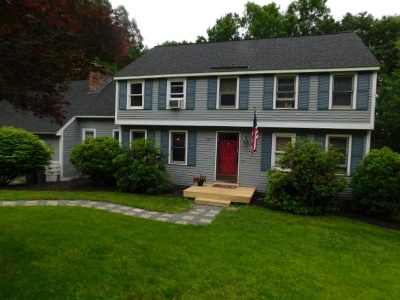 Derry Single Family Home For Sale: 12 Hubbard Hill Road
