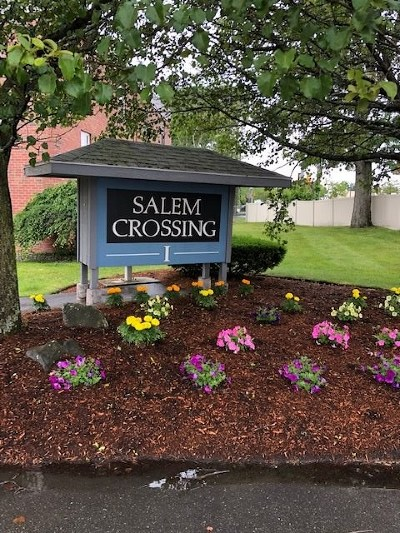 Salem Condo/Townhouse For Sale: 99 Cluff Crossing Road #F10