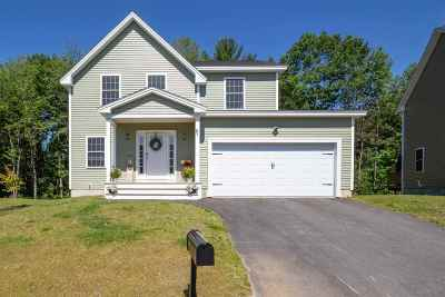 Rochester Single Family Home For Sale: 61 Miller's Farm Drive