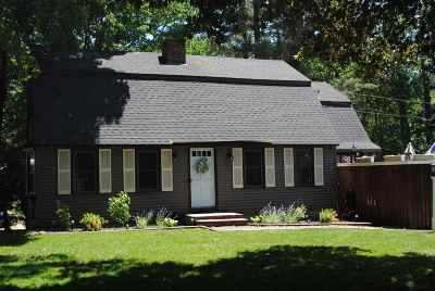 Derry Single Family Home For Sale: 10 Martha Drive