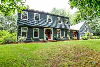 Bedford Single Family Home For Sale: 4 Federation Road