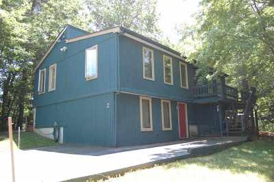 Londonderry Single Family Home For Sale: 2 Valley Street