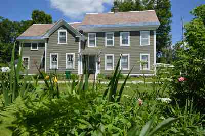 Wallingford Single Family Home For Sale: 71 Village Street