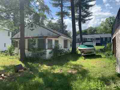 Derry Single Family Home For Sale: 608 Collettes Grove Road